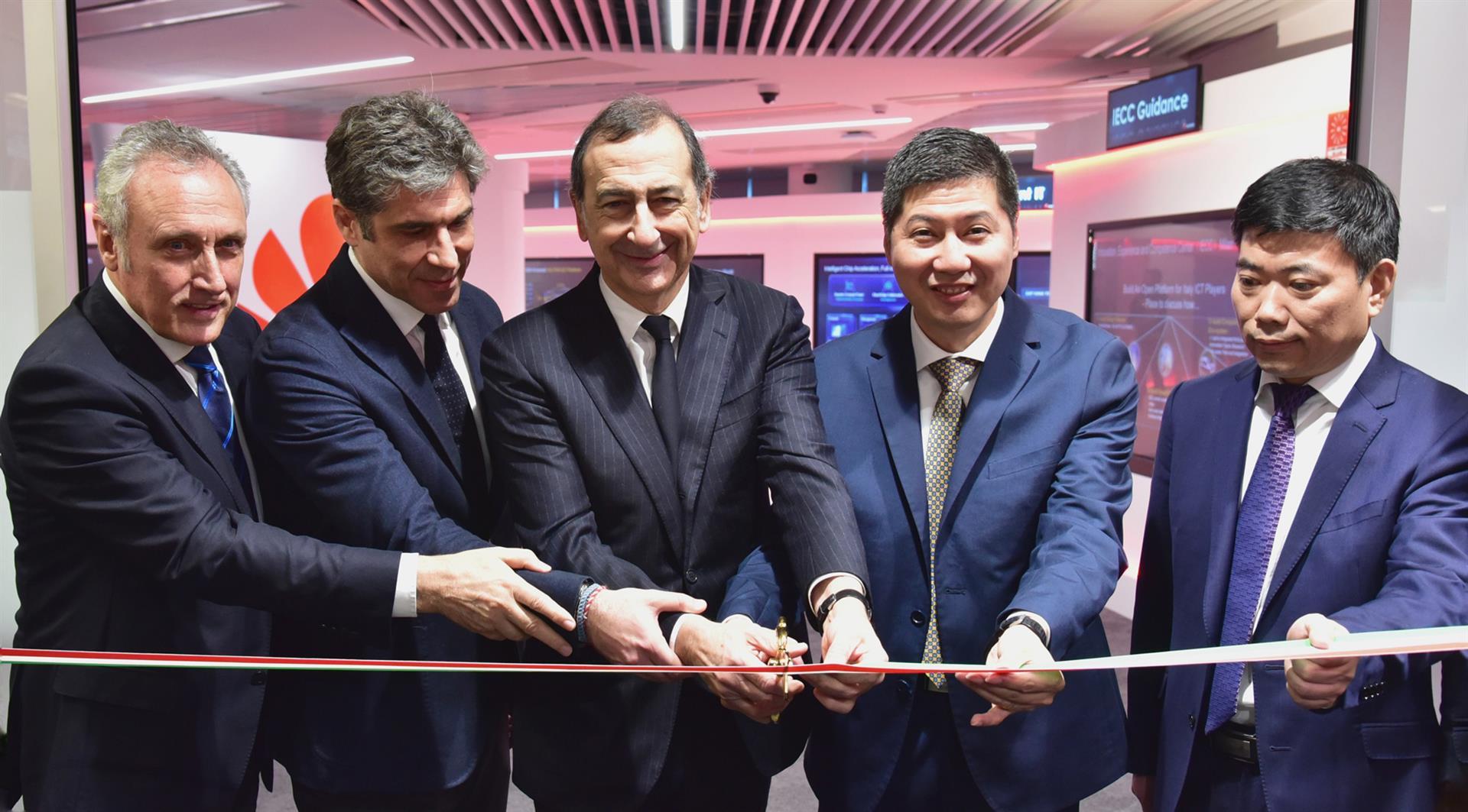 Huawei, nuovi uffici a Milano